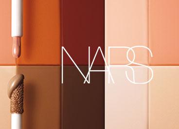 Radiant Creamy Color Corrector: Camufla olheiras, manchas e hiperpigmentação.